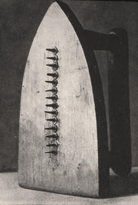 Man Ray, Gift 1921 (Object)